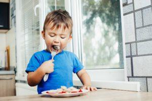 איך לגרום לילד לאכול?